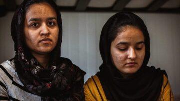Προσφυγικό: Στέλνουν οικογένειες κατευθείαν στον θάνατο (Video)
